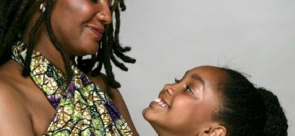 black-mother-and-daughter