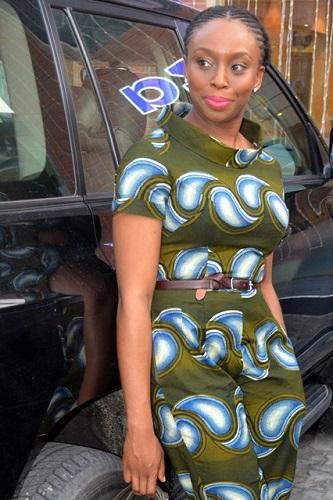 Chimamanda-Adichie-March-13-Vogue-16Feb15-pr_b_426x639