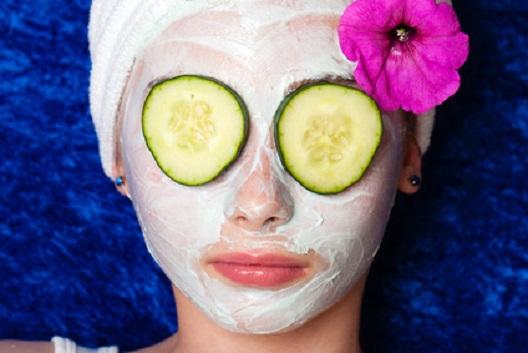 Cucumber facial moisterizer that