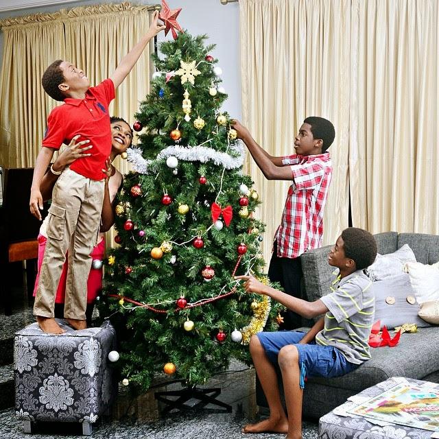 omoni oboli christmas tree